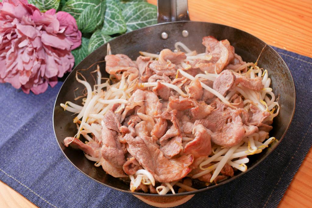 もやしと豚こま肉のジンギスカン式炒め
